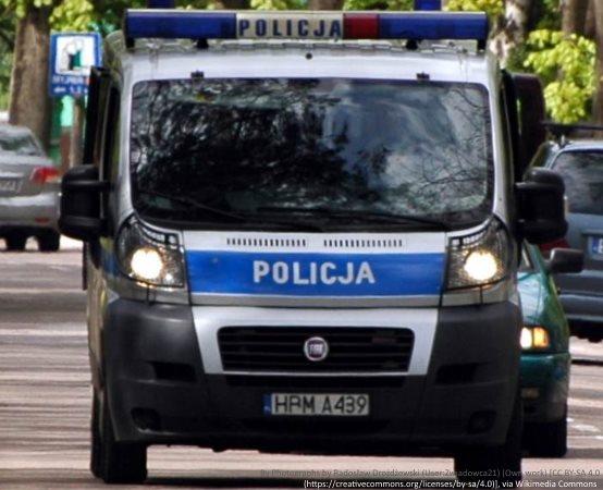 Policja Lubin: Radiowóz, pies policyjny ,odblaski i wielka radość dzieci.