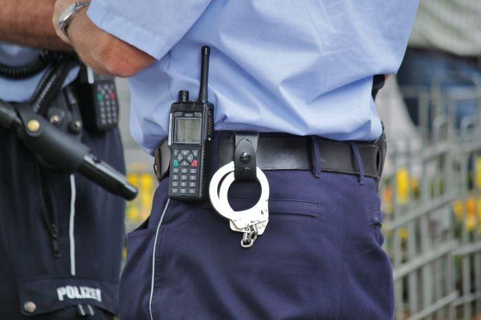 Policja Lubin: Bezpieczne wakacje na drodze. Zadbajmy o siebie i innych podczas podróży i wycieczek.